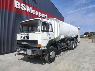 benzovežis sunkvežimis IVECO 330-30, 6x4, 26000 liter, JET A-1
