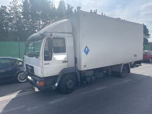 izoterminis sunkvežimis MAN 11.224 ISOTERMO  PUERTA ELEVADORA