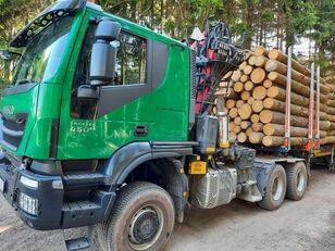 miškovežis sunkvežimis IVECO TRAKKER