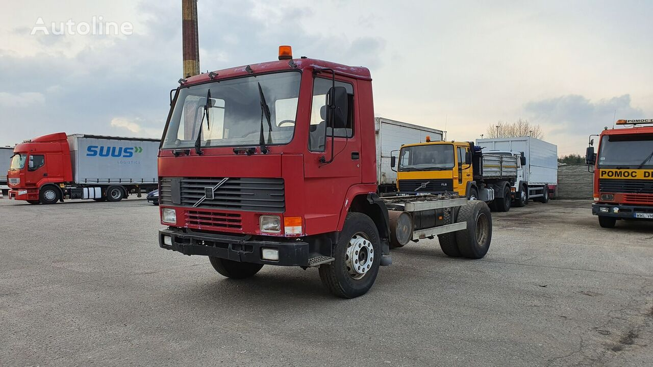 skip-loader sunkvežimis VOLVO Fl 7