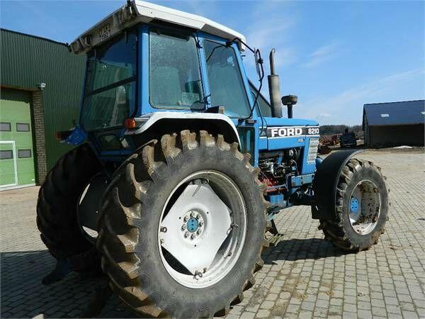 ratinis traktorius FORD 8210