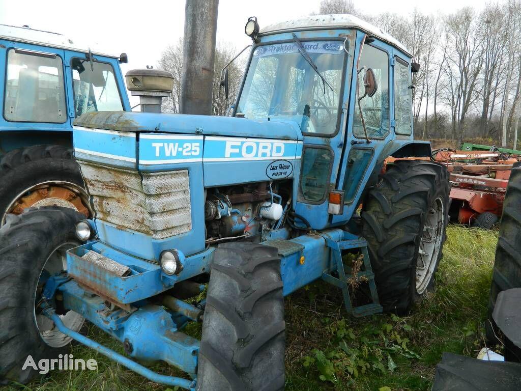ratinis traktorius FORD TW 25
