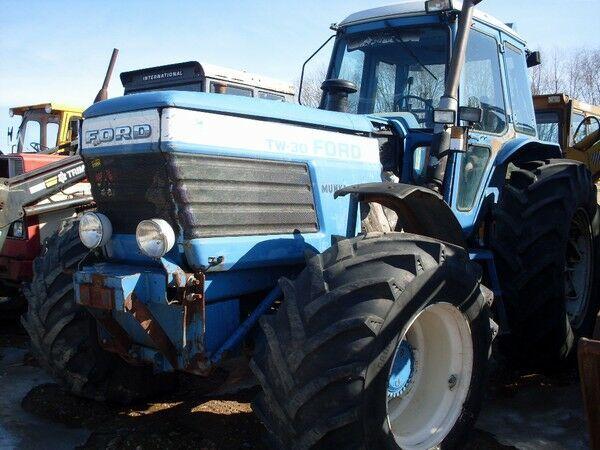 ratinis traktorius FORD TW 30